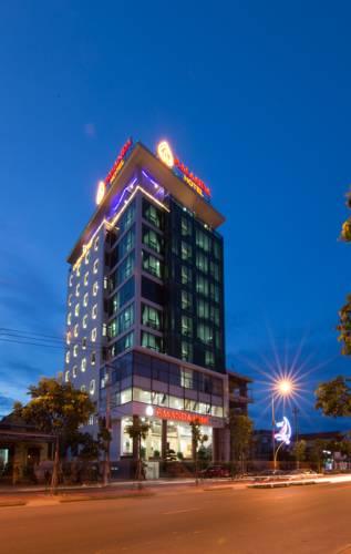 khách sạn gần biển nhật lệ quảng bình