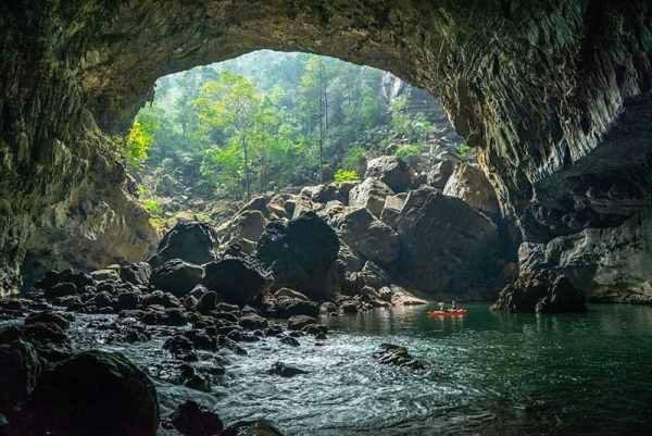 Tour ghép khám phá Hang Vòm mạo hiểm 3 ngày 2 đêm