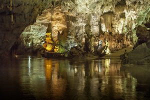 Tour ghép Phong Nha- Thác Gió Vườn Thực Vật
