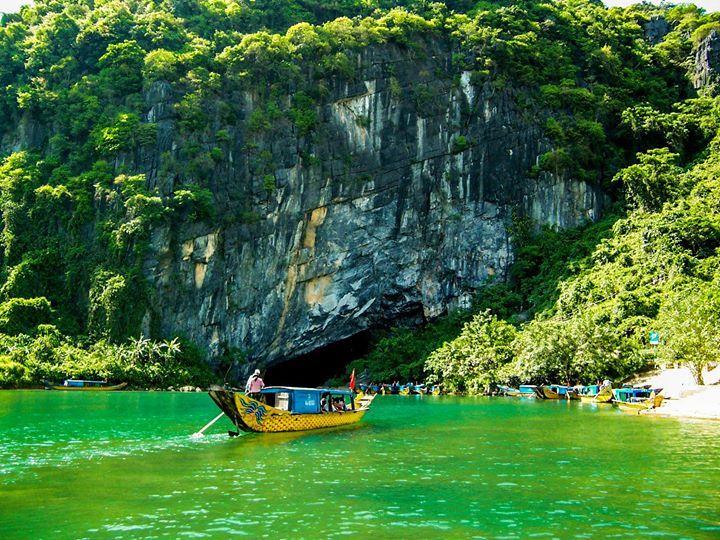 Tour suối nước Mooc động Phong Nha