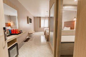 phòng sup tpl khách sạn holiday 2