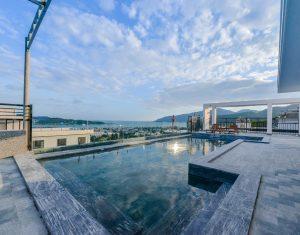 hồ bơi khách sạn marilla