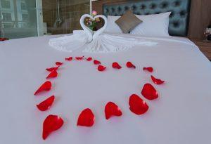 giường deluxe double cao cấp khách sạn marilla