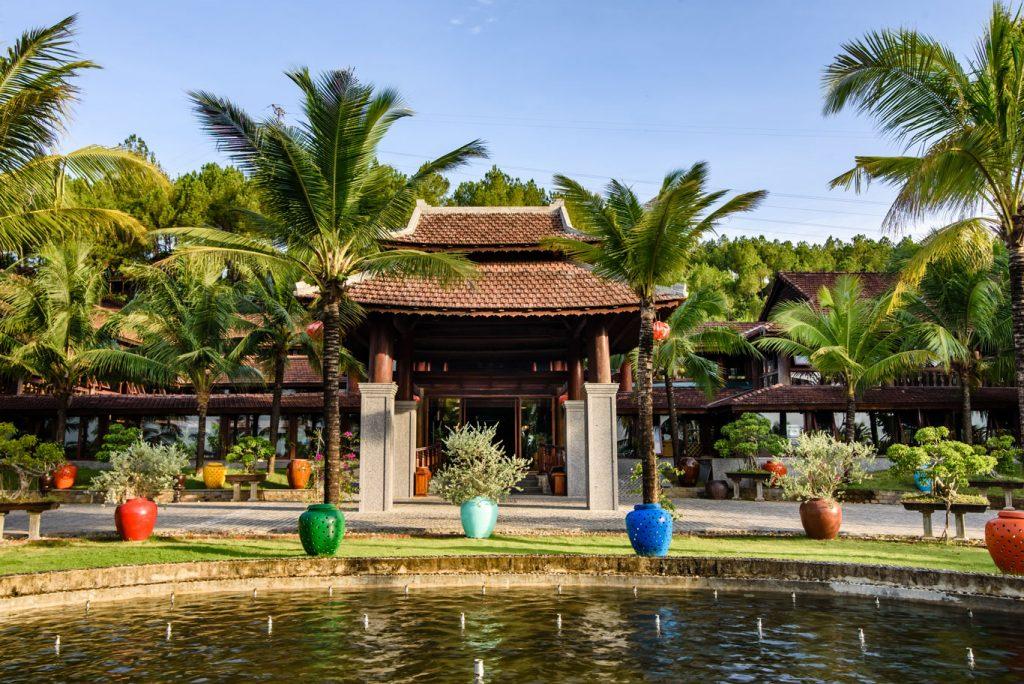 Sankofa Village Hill Resort & Spa ở Huế