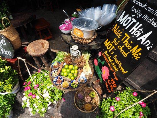 trà thảo mộc - du lịch hội an ăn gì?