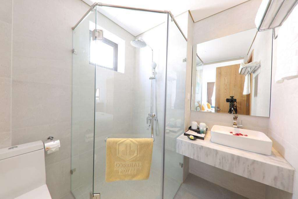 deluxe double room - cordial hotel