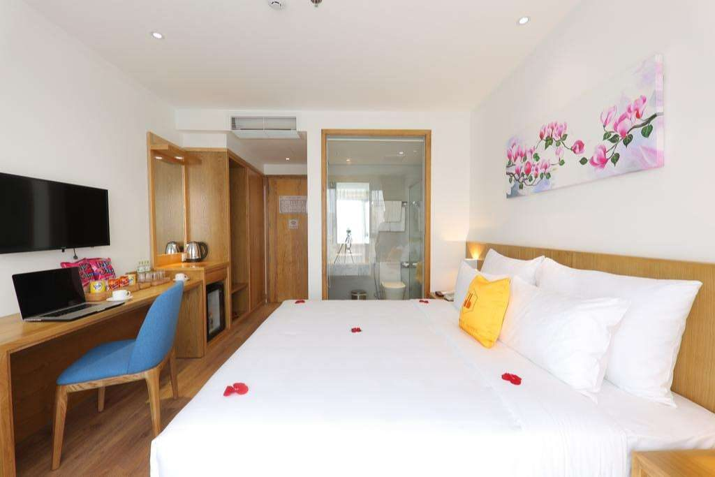 deluxe double room cordial hotel