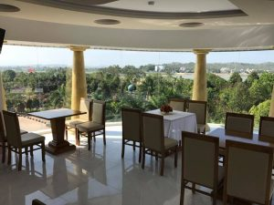 nhà hàng luxury hotel